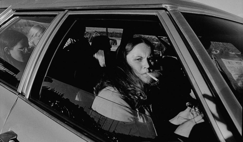 Mike-Mandel-1970-fotografía-documental-Estados-Unidos-coches-2